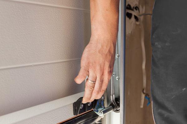 Garage-Door-repair-1